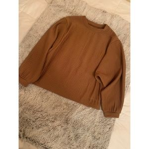 Long sleeved cognac top